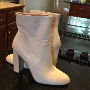 Steve Madden white booties boots leather 10